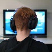 kid playing online game